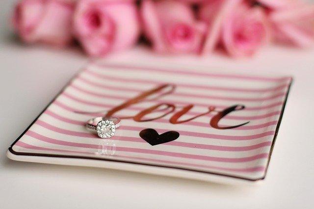10 דרכים לשדרוג טבעת האירוסין שלך